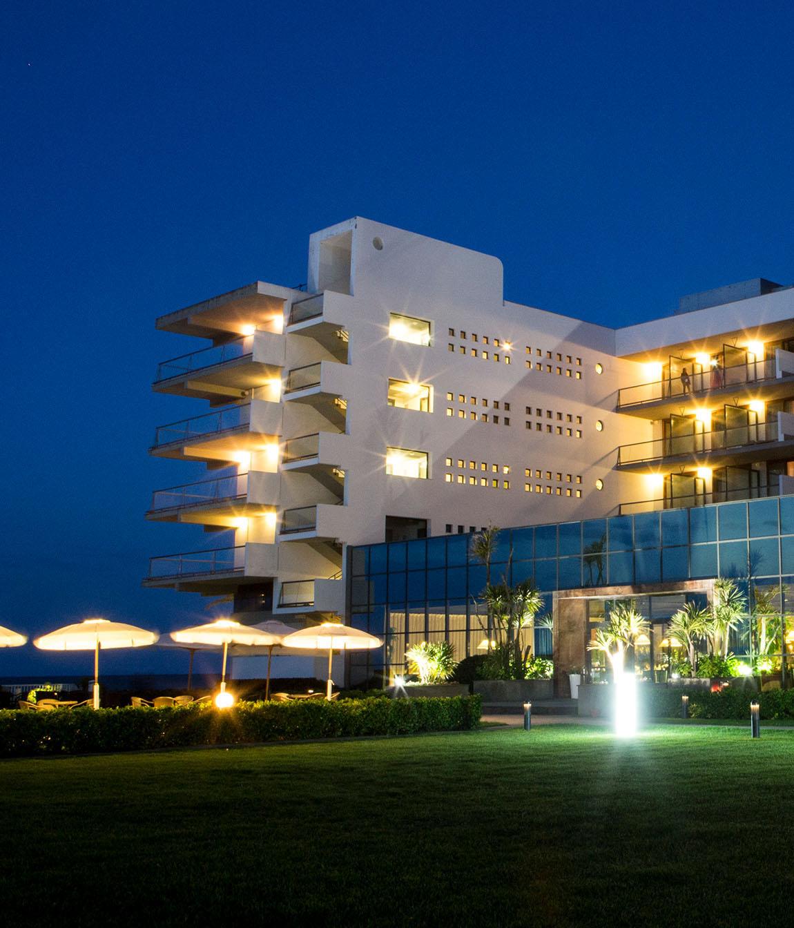 hotel_berti_facciata_notte